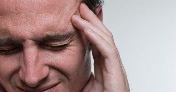 Dor de cabeça, formigamento nos braços e vômitos podem ser ...