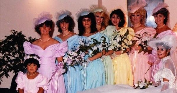 Noivas maldosas sacaneiam madrinhas com vestidos de gostos ...
