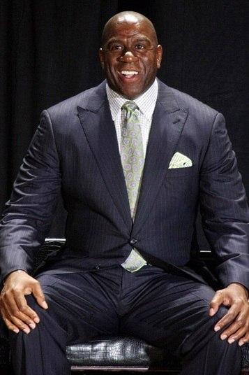 Magic Johnson, de 53 anos, aposentou a carreira de jogador de basquete em 1991, após declarar que havia contraído Aids. Johnson tornou-se porta-voz do sexo seguro e da prevenção contra o HIV