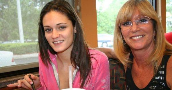 Mãe e filha fazem pornô em família - Fotos - R7 Hora 7
