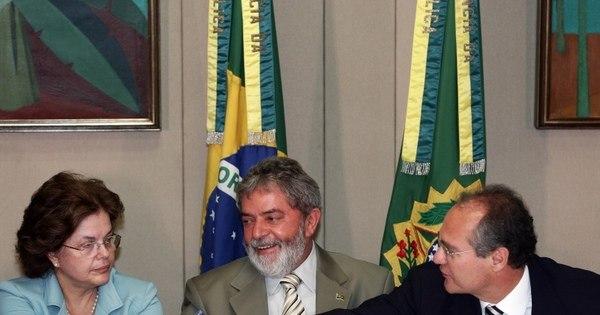 Diante da possibilidade de avanço do impeachment, Lula se reúne ...