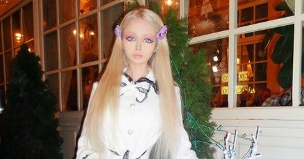 Barbie ucraniana alopra blogueira recalcada - Fotos - R7 Hora 7