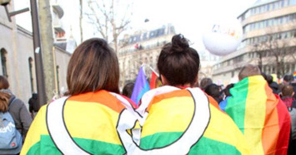 Polêmico na França, casamento gay é legalizado em mais de dez ...