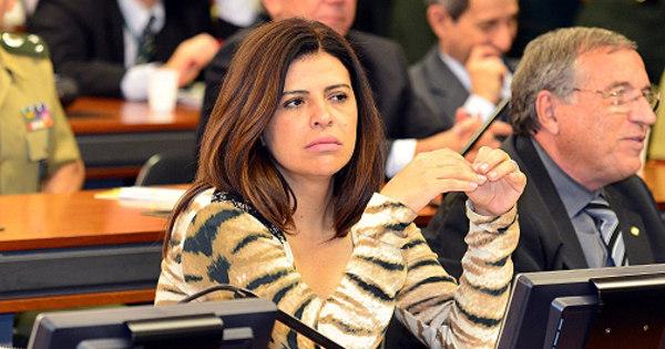 Deputada cotada para substituir Marco Feliciano é acusada de ...