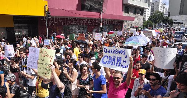 Manifestantes saem às ruas de SP contra deputado Marco Feliciano ...