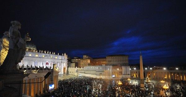 Primeira votação do conclave não escolhe novo papa - Notícias ...