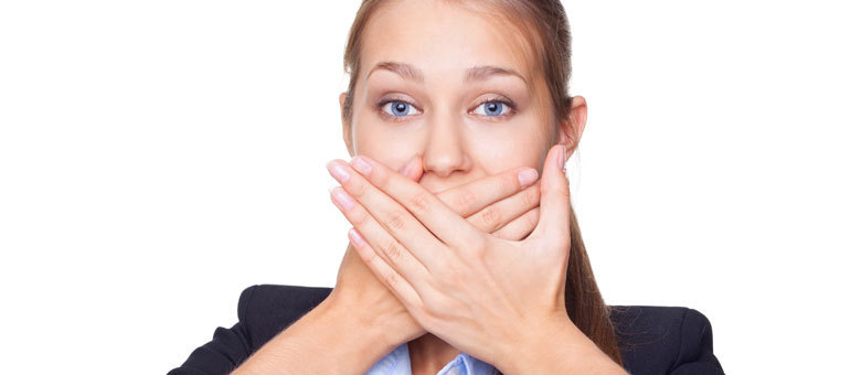 Mau hálito pode provocar separação e até problemas no trabalho