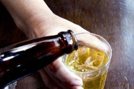 Que drogas devem tratar o alcoolismo