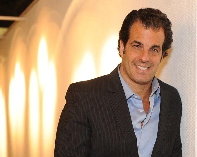 O empresário e apresentado de televisão Álvaro Garnero (PRB-SP) é candidato a deputado federal e declarou pouco mais de R$ 17 milhões em patrimônio do TSE