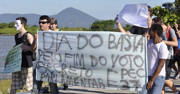 Política brasileira precisa da corrupção para funcionar, diz ...