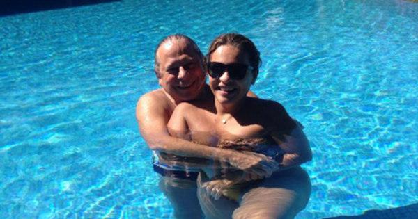 Namorada de Dirceu curte piscina ao lado de mensaleiro e divulga ...