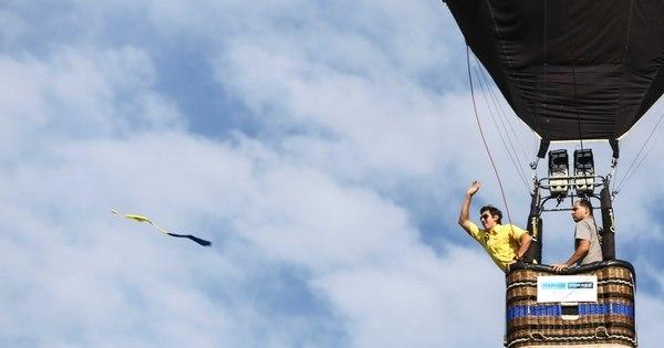 Balões do mundo inteiro colorem céu de cidade gaúcha durante ...