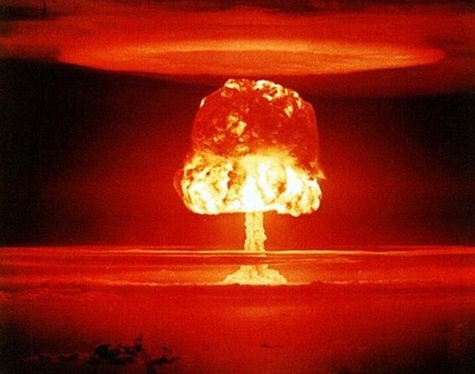 Uma equipe internacional de cientistas, matemáticos e filósofos do Instituto do Futuro da Humanidade, da Universidade de Oxford, está investigando quais são os maiores perigos contra a humanidade. Segundo informações divulgadas pela agência de notícias BBC, o diretor do instituto, Nick Bostrom, afirma que existe uma possibilidade plausível de que este venha a ser o último século da humanidade. Saiba o motivo desta previsão catastrófica nas próximas imagens!