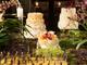 Apesar das opções, os especialistas em casamento concordam em uma coisa: não existe muita regra quando o assunto é casamento e o que dever ser priorizado é o gosto e a vontadedos noivos!<br><br><b>Sucrier</b>: (11) 2892-0929,<b>Nika Linden</b>: (11) 2614-5526,<b>Fleur de Sucre</b>: (11) 3078-3082 e<b>Giuliana Pimenta Bem Casados e Doces Finos</b>: (11) 2667-4287