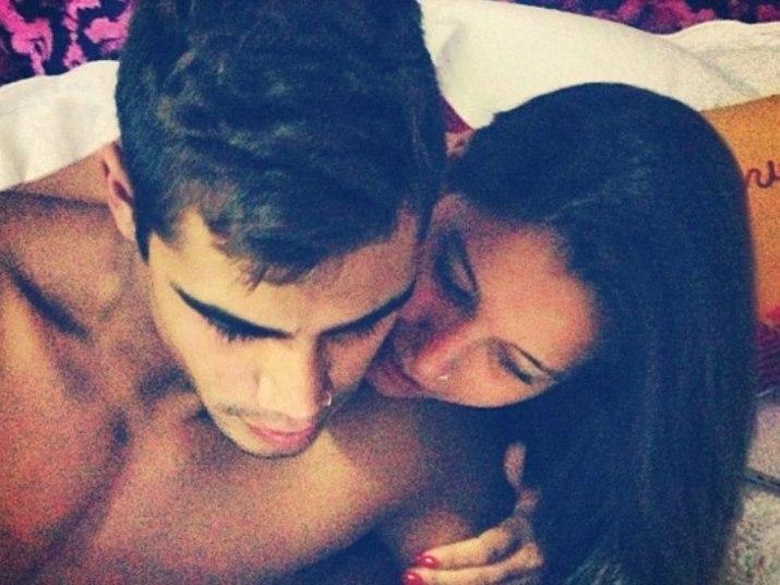 Micael Borges também encontrou um novo amor em 2013! O gato teen está namorando a estudante Heloisy Oliveira, que já postou fotos com o gatoNão sabe o que dar de presente para o seu amor? O R7 te ajuda a escolher!