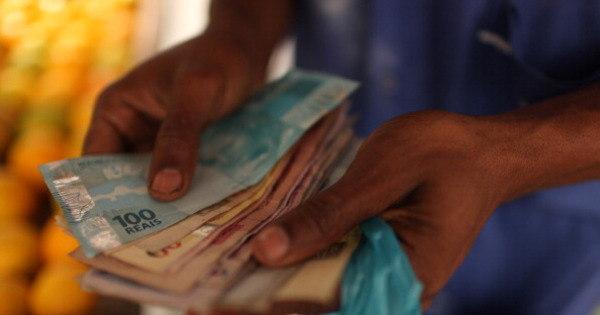 Governo divulga tabela de pagamento do PIS em 2016-2017 ...