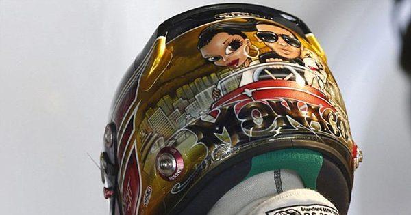 """Confira os capacetes """"tunados"""" que os pilotos usarão no GP de ..."""