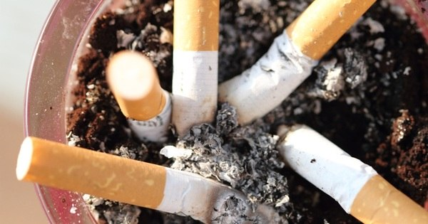 Proibição de fumar em locais públicos entra em vigor na Rússia ...
