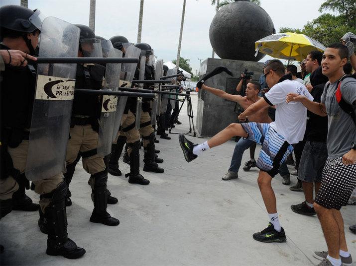 A Guarda Municipal do Rio ficará responsável por intervir no acesso da ala leste do estádio, enquanto a Polícia Militar garante o acesso oeste