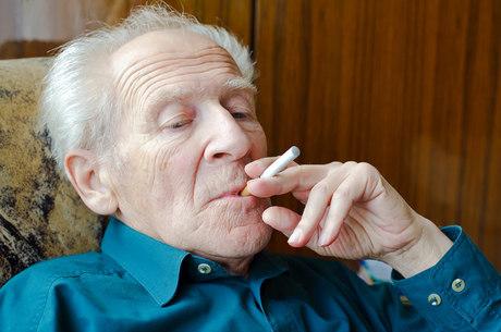 Cigarro eletrônico gera interesse e controvérsia na Europa e EUA