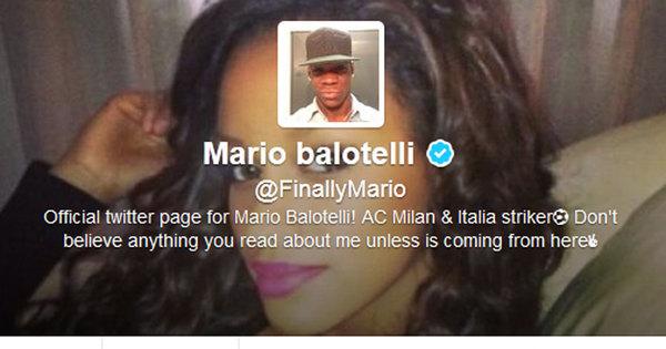 Balotelli declara seu amor e coloca foto da namorada como papel ...