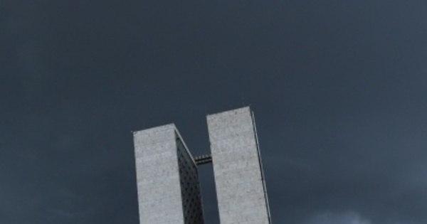 Brasília abrigou base de espionagem dos EUA até 2002, diz jornal ...