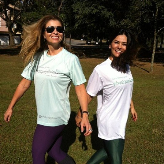 A amiga e sócia Carolina Carpi divide com Suzana o trabalho e a diversão