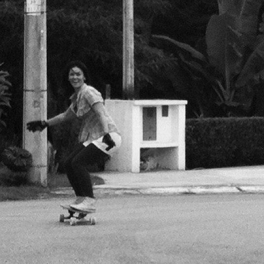 Andar de skate é outra paixão de Suzana