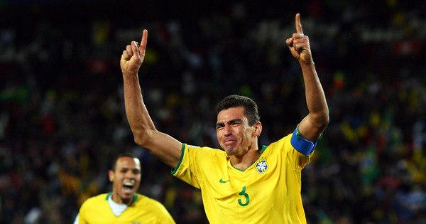 Zagueiro Lúcio assina com clube da quarta divisão da Alemanha ...