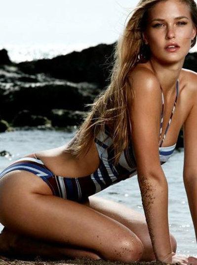 A modelo Bar Refaeli já teve um affair com o lateral-direito Daniel Alves