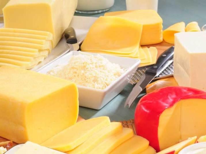 A 'listinha' previa ainda 95 kg de sete tipos de queijo: mussarela, coalho, queijo prato, provolone, roquefort, gorgonzola e frescal