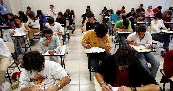 Unicamp 2015: candidatos fazem provas de física, química e ...