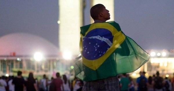 Insatisfação generalizada leva mais de 1 milhão às ruas do País e ...
