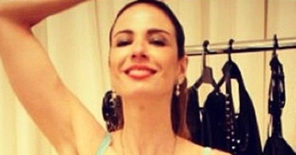 Magérrima e de sutiã, Luciana Gimenez exibe barriga chapada ...