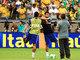 Momentos antes do início da partida, Thiago Silva e Hulk se aqueceram no Mineirão