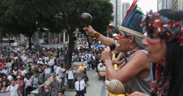 Manifestação transcorre tranquila pelo centro do Rio; veja fotos ...