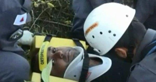 Imagens mostram resgate de piloto de paraglider que sofreu ...