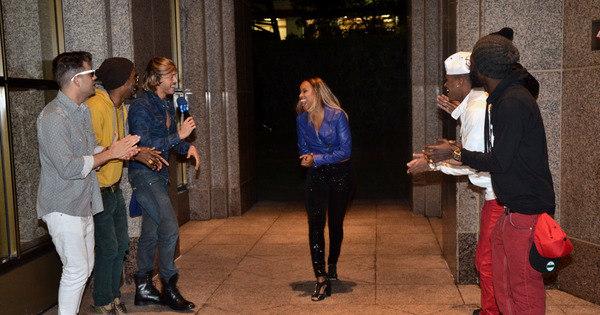 Ela arrasa! Roberta Rodrigues faz show com o grupo Melanina ...