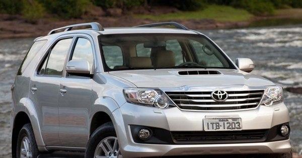 Mesmo com nova geração a caminho, Toyota Hilux SW4 encarece e ...