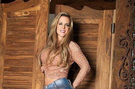 """Mãe de Denise Rocha chama peões de """"vândalos"""": """"Ela toma remédio e por isso a chamam de louca o tempo inteiro"""""""