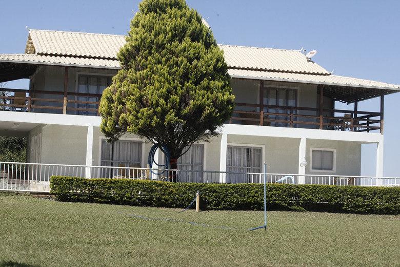 Esse é o sítio onde o goleiro Bruno, ex-Flamengo, passava férias em  Minas Gerais. Foi nele, segundo as investigações policiais, que a  ex-amante do arqueiro, Eliza Samudio, foi levada antes de morrer. O  atleta é um dos suspeitos e será julgado no começo de março