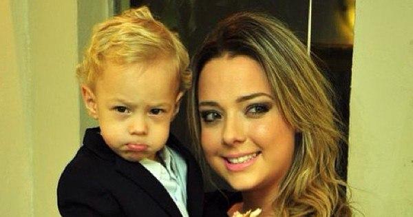 """Filho de Neymar faz bico e ganha mimo da mãe Carol Dantas: """"Meu ..."""