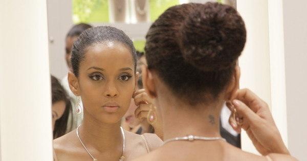 Veja 11 penteados fáceis para a balada - Fotos - R7 Moda e Beleza