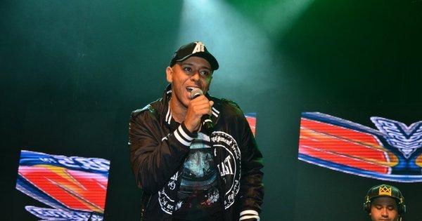"""MC Koringa lamenta críticas sobre funkeiros: """"Rock sempre falou ..."""
