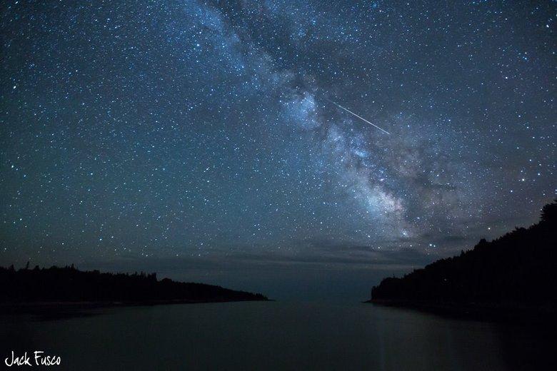 A chuva de meteoros Perseidas é um evento que acontece todos os anos e  enche o céu com raios de luz, conhecidos como estrelas cadentes. O  efeito, que é visualmente impressionante, é apenas a 'ponta do iceberg'  quando se trata de meteoros batendo na atmosfera da Terra...