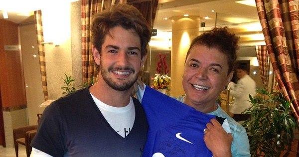 """David Brazil revela quem é a verdadeira """"patinha"""" na vida de ..."""