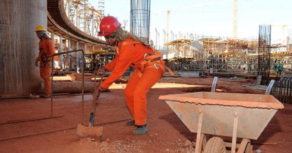 Burocracia e lentidão do governo travam setor da construção civil ...