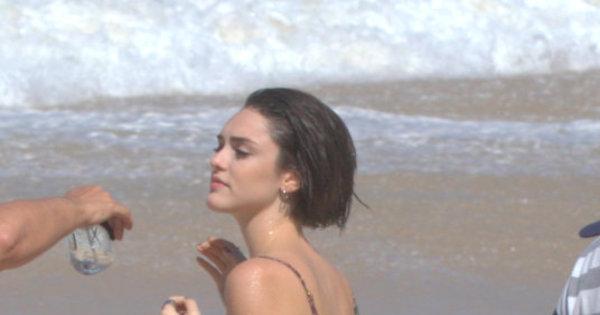 Isabelle Drummond beija muito, Neymar faz festa sem Bruna ...