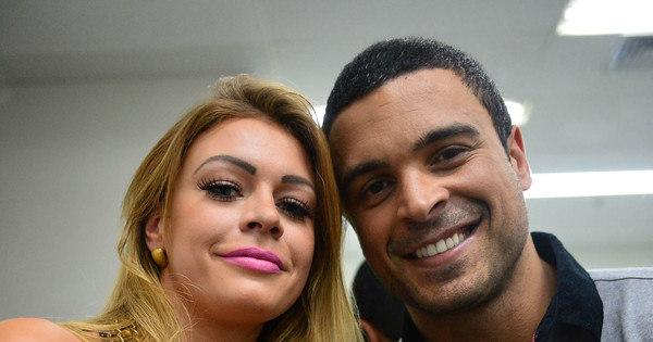 Veja Manoella Stoltz e Gustavo Salyer nos bastidores da Record ...