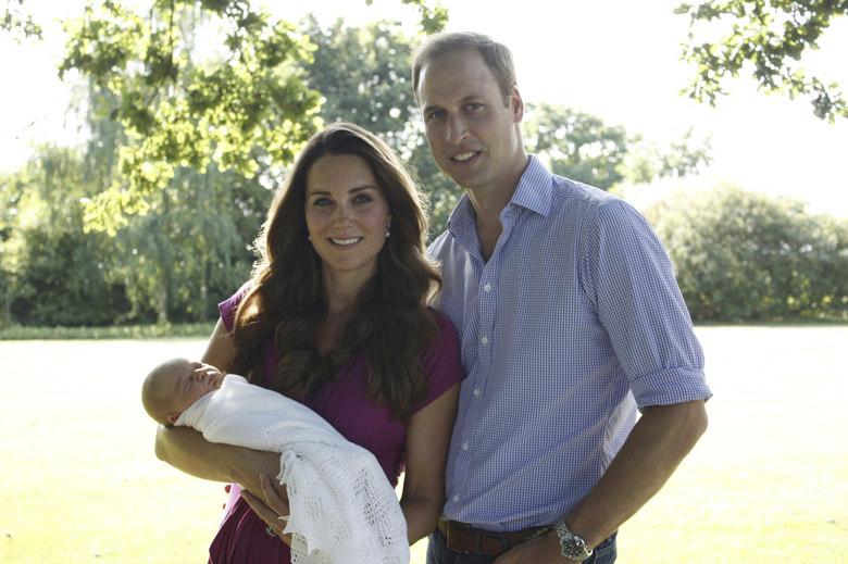 Mãe Dináh também acertou uma previsão em relação à família real inglesa: ela disse que o príncipe William se casaria com Kate e que o primeiro filho deles seria um menino, herdeiro do trono britânico. Leia também: Morre Mãe Dináh em São Paulo